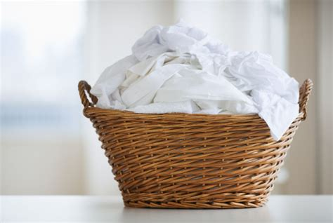 How To Use Bleach To Clean Clothes Laundry White