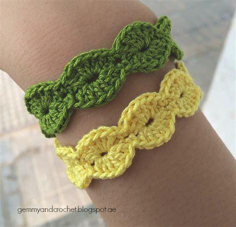 crochet bracelet with pattern all about crochet free pattern scallop bracelet
