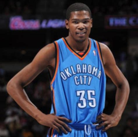 nba bench press kevin durant bench presses 315 pounds at his personal home
