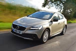 Volvo S40 Cc Volvo V40 Cross Country 2016 Review Pictures Auto Express