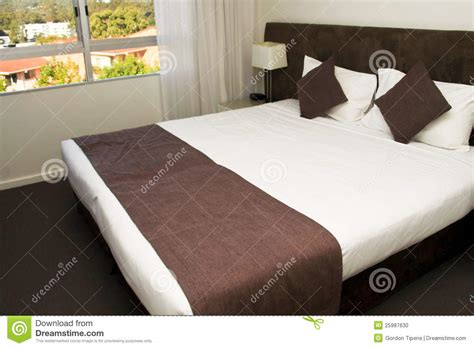 large bed large king size luxury hotel bed stock photo image 25987630