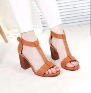 Sepatu Cewe Moder Terbaru Sandal Wanita Wedges Wanita Selop Simple Ta sepatu sandal high heels wanita hak tahu warna modern cantik model terbaru
