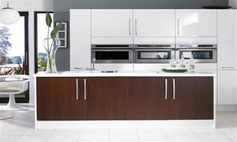 Glossy White Kitchen Cabinets by Kitchen Cabinets White Gloss Gloss White Cabinets High