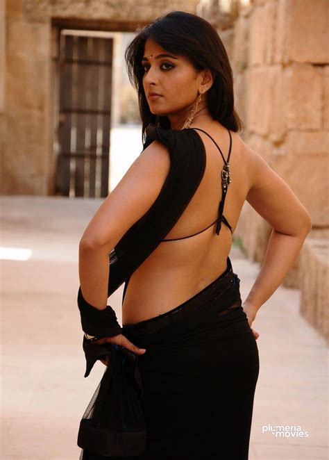 Anushka Shetty Hot Navel In Saree