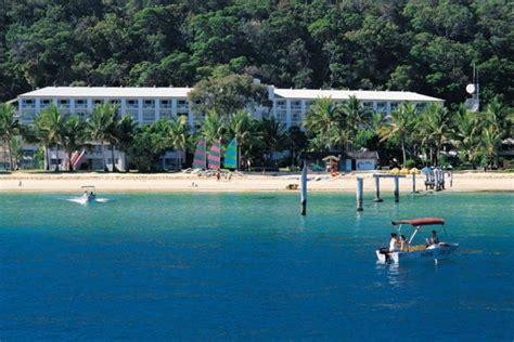 catamaran hire moreton island top 10 moreton island activities