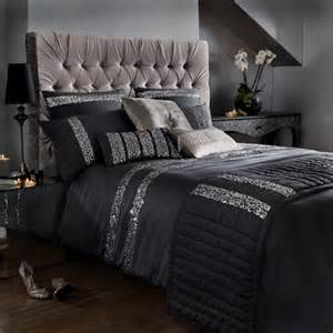 Silver Black Bedroom by Black And Silver Bedding Bedroom Sets