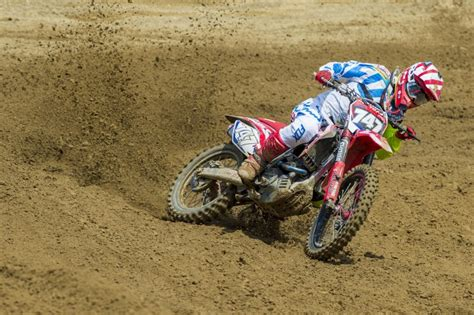car glass pavia hrc mx2 left and bothered in ottobiano qualifying mxgp