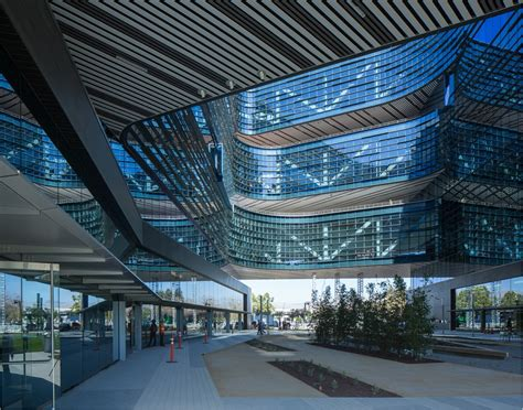 samsung headquarters nbbj s samsung headquarters in silicon valley archpaper