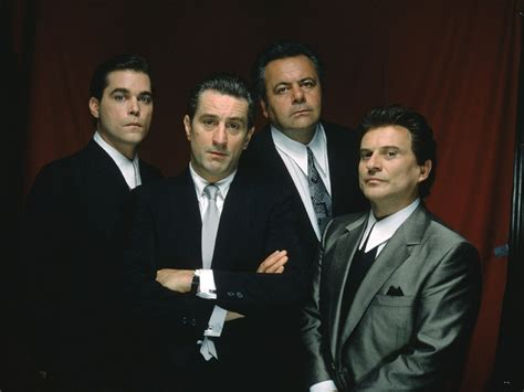 robert de niro ray liotta filling in the cinematic gaps goodfellas 1990