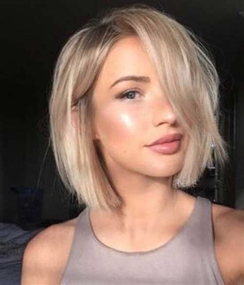 what kind of a womans haircut is shorter in back and longer in front 25 best ideas about medium short haircuts on pinterest