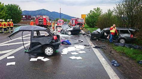 Motorradunfall Polizei by T 246 Dlicher Unfall Bei Kirchzarten Polizei Sucht Zeugen