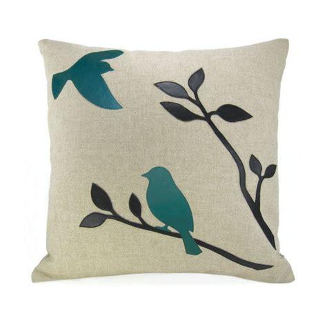 Pillow Bird by 25 Best Ideas About Bird Pillow On Applique