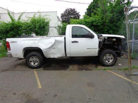sell   gmc sierra  hd sle standard cab pickup  door   owner  windsor locks