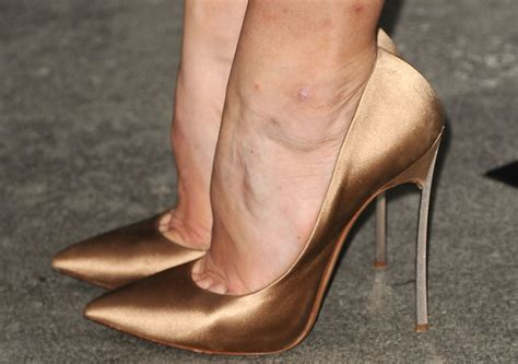 high heel foot check out this 3 d scan of what happens to your in
