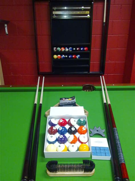 pool table accessories billiard balls snooker cues