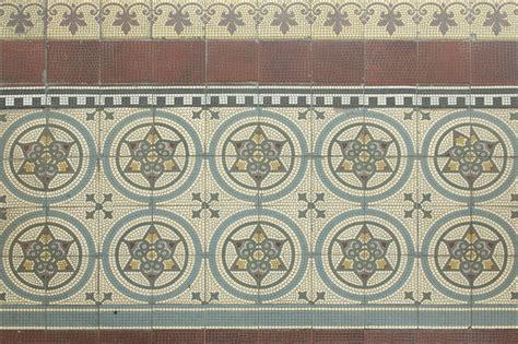 Farbige Bodenfliesen by Home Baukunstarchiv Nrw