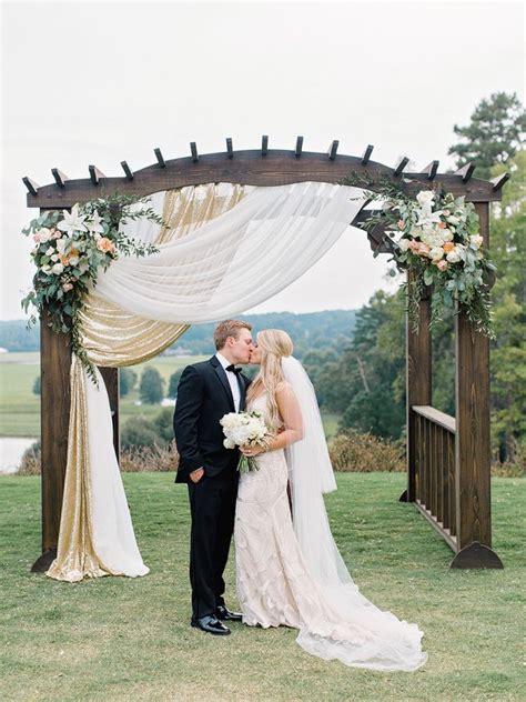 Wedding Arch Photos by 25 Best Ideas About Wedding Pergola On
