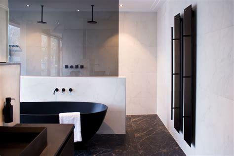 badkamer mat zwart wit trend zwart wit instamat