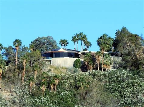 elrod house lautner s elrod house nature and architecture become one