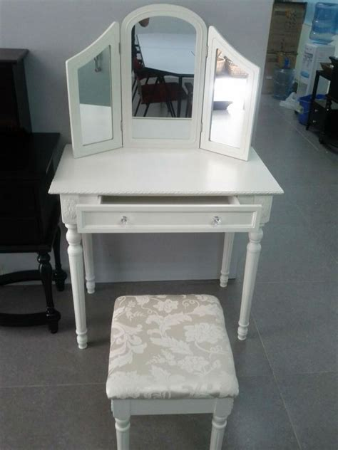 Cheap Vanity Sets For Bedroom by 25 Best Ideas About Cheap Vanity Table On Diy