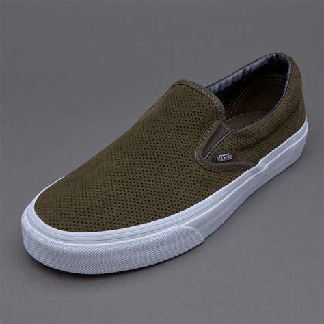 Sepatu Vans Slip On sepatu sneakers vans womens classic slip on perf suede tarmac