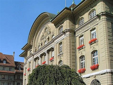 bank of switzerland swiss national bank whacked by euryen business insider