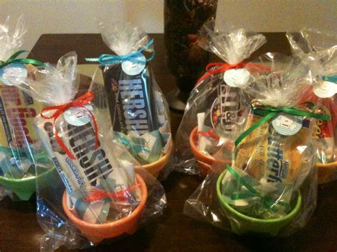 Baby Shower Prizes For Guys by 1000 Images About Baby Shower On Baby Shower