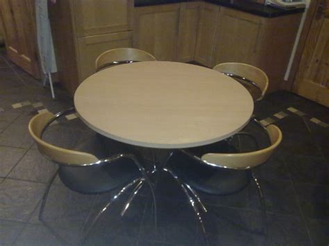 Formica Table And Chairs For Sale by Formica Top Table With Chrome Base And 4 Chairs For Sale