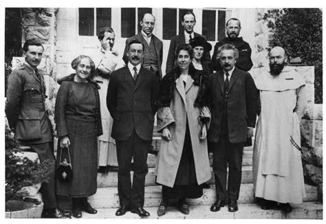 albert einstein biography family einstein family www imgkid com the image kid has it