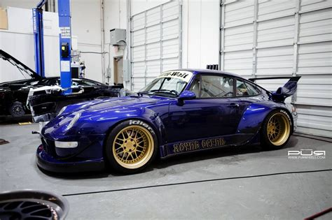 porsche rwb rauh welt rwb widebody porsche 993 on a set of golden pur