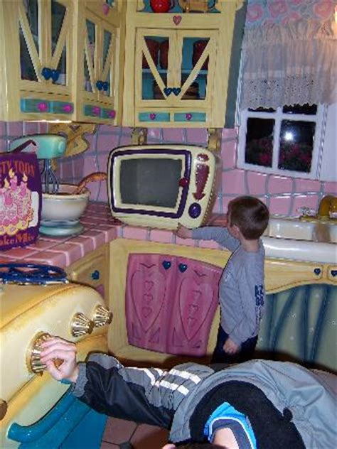 minnie s house disney world minnie mouse house fotograf 237 a de walt disney world resort orlando tripadvisor