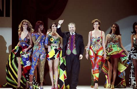 Who Played Designer In 2007 by Antonio Banderas Will Play Gianni Versace In Bille