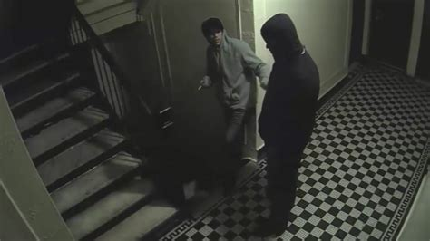 rooms for couples in the bronx armed robbed bronx apartment attacked while 4 year was in the room the nypd