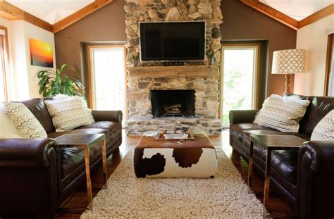 cowhide coffee table ottoman how to use a cowhide ottoman to create a cowboy chic decor