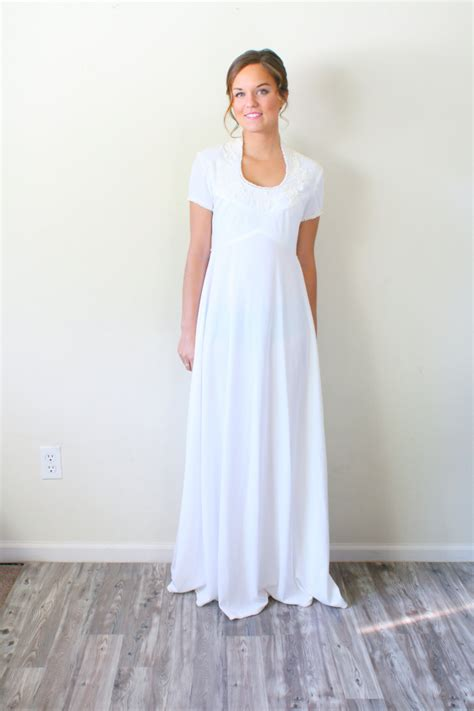 White Vintage Wedding Dresses by Vintage White Wedding Dress Sleeve By