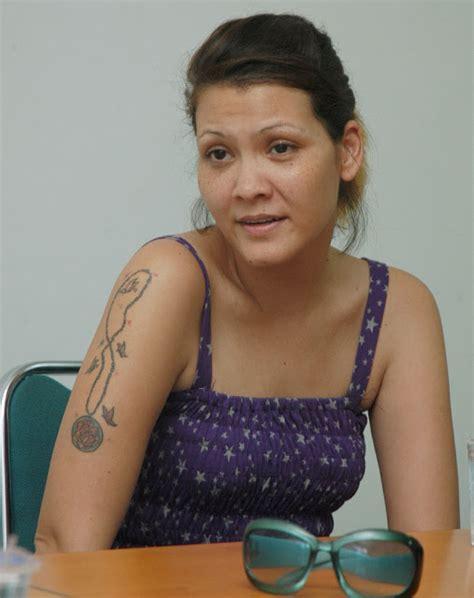 tato keren wanita indonesia hot pic gambar tato artis wanita indonesia
