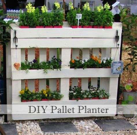 diy recycled pallet planters recycled things
