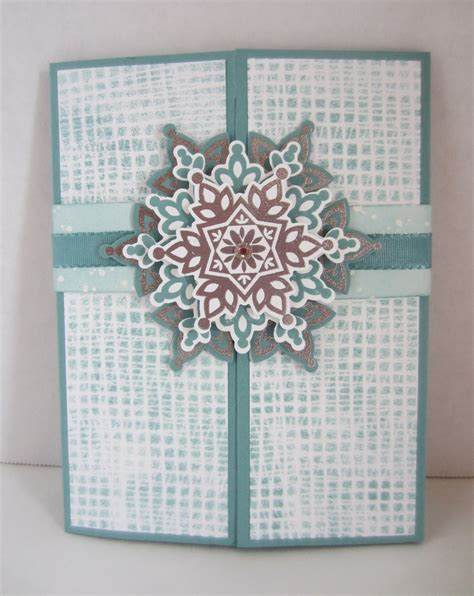 Handmade Card Blogs - handmade snowflake gatefold card the crafty stalker