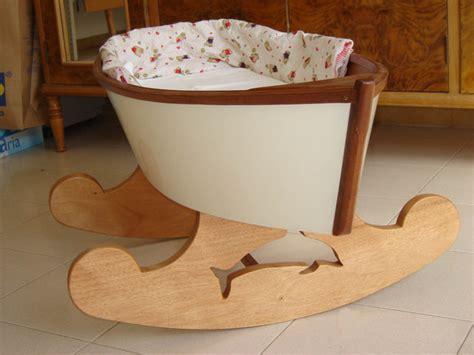 culle a dondolo per neonati le culle barca di giacinto elefante il primo rifugio per
