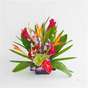 Tall Vase Wedding Centerpieces Hoaloha Good Friend Flower Assortments