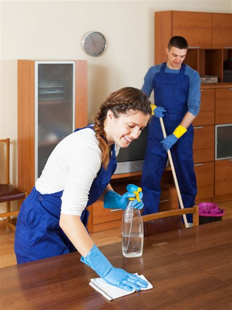 3 key cleaning service types to consider custom inc