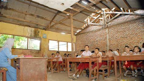 3 Di Jakarta jumlah gedung sekolah rusak di indonesia hir 1 3 juta suara nusantara inspirasi anak negeri