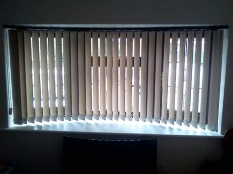 Bow Window Blinds the curtains and blinds fitter curtain fitter in luton uk