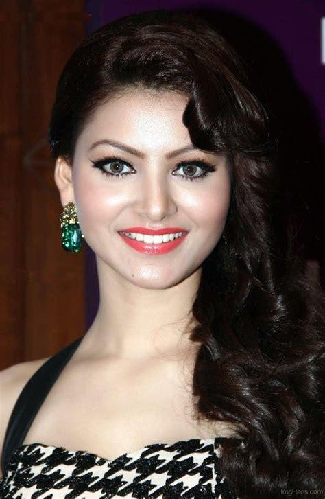 Urvashi Rautela Net Worth Celebrity Sizes
