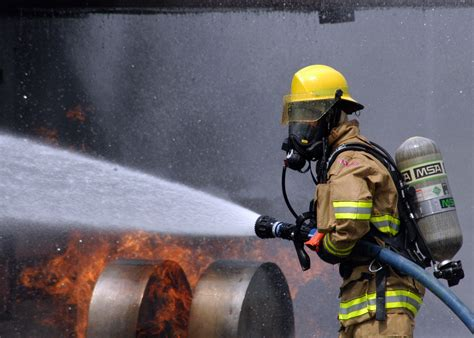 can volunteer firefighters have lights and sirens reasons firefighters shouldn t have beards