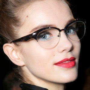 8 Classic Make Up Mistakes To Avoid by Makeup Mistakes To Avoid When You Re Wearing Glasses Zergnet
