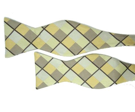 Hq 11336 Bow Scarf Sweater Grey and brown bow tie with square pattern