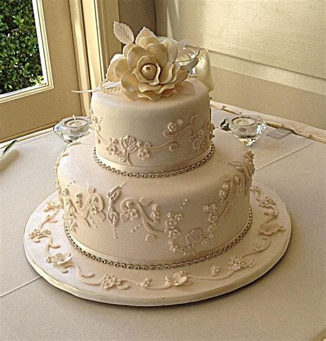Small Wedding Cake Designs by 292 Best Images About Torty On Sheet Cakes