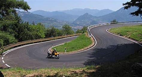 Motorrad Fahren Alpen by Alpen Touren Tourenfahrer Online