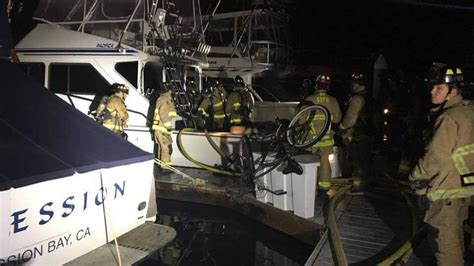 fishing boat on fire in san diego 60 foot fishing boat catches fire in mission bay marina
